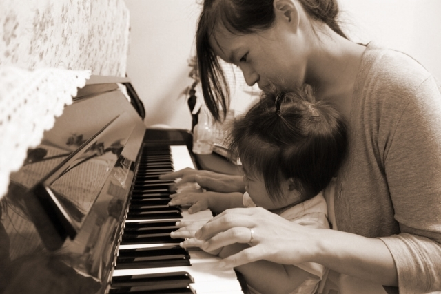 ピアノの処分や無料引き取りはちょっと待った!3-40年前のピアノでも、まだまだ高く売れるんです!!